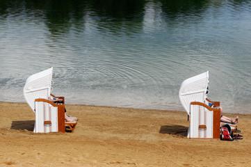 Strandkorb am Badesee