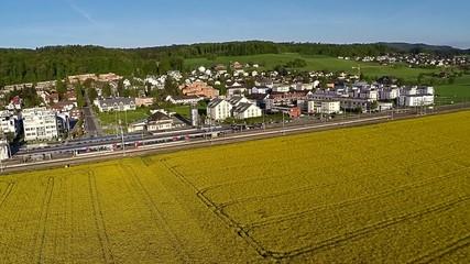 Flugaufnahme Eisenbahn SBB Zug