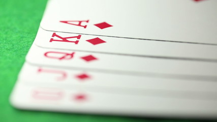 Focus pull of a Royal Flush sequence in Poker