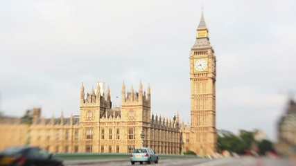 Scene of a traffic in front of Big Ben shot with lens baby.