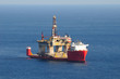 Transport of an oil rig on a semi-submerged boat - 65925121