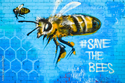 Fotografiet Graffiti art, save the bees design