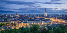 Turyn (Torino), panorama o zmierzchu wysokiej rozdzielczości