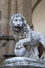 Флоренция, статуя льва