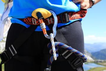imbragatura equipaggiamento alpinista