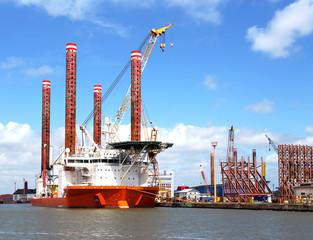 Hubschiff in Bremerhaven