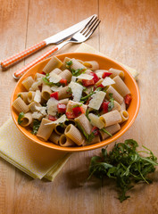 pasta with arugula capsicum and parmesan cheese