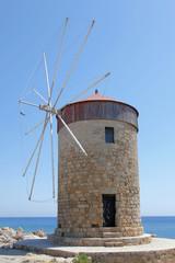 Windmühle am Hafen von Rhodos, Griechenland