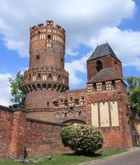 Neustädter Tor und Nikolaikirche in Tangermünde