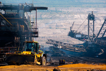 A shovel and a very large excavator in a lignite mine