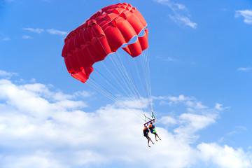 Красный парашют