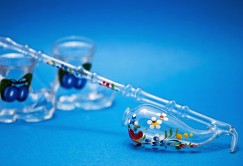 Decorative pipette with dram glass