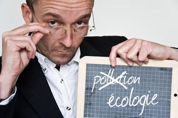 concept homme et ardoise écologie