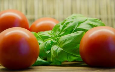 Tomaten, Basilikum