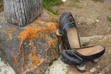 zapatos de madera artesanales, madreñas