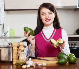 housewife  with avocado