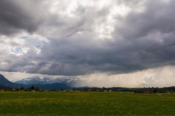 Unwetter über den Alpen im Ostallgäu