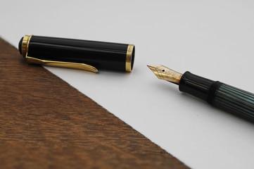 Briefpapier und Füller
