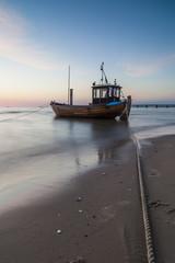 Fischkutter am Ostseestrand