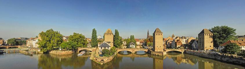 Ponts couverts, France
