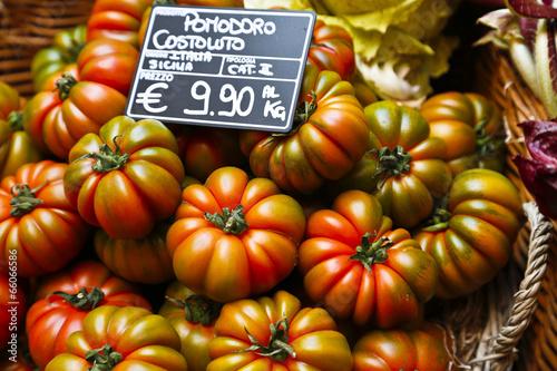 Pomodoro costoluto