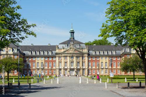 Foto op Aluminium Oude gebouw Fürstbischöfliches Schloss Münster