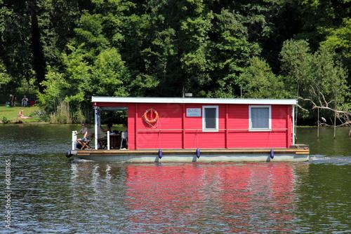Leinwanddruck Bild Hausboot im Park Babelsberg