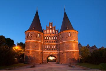 Lübeck Holstentor bei Nacht