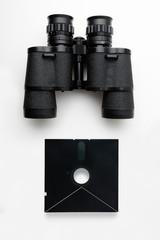 Feldstecher Schwarz mit Diskette