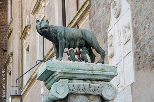 mata magnetyczna Sculpture of Romulus and Remus