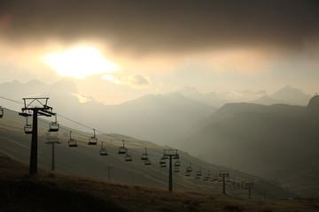 trentino dolomiti paesaggio di alta montagna piste da sci
