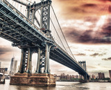 Fototapety Dusk colors of the sky over magnificent Manhattan Bridge