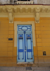 Yellow facade in Old Havana