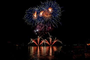 Fuochi d'artificio al lago