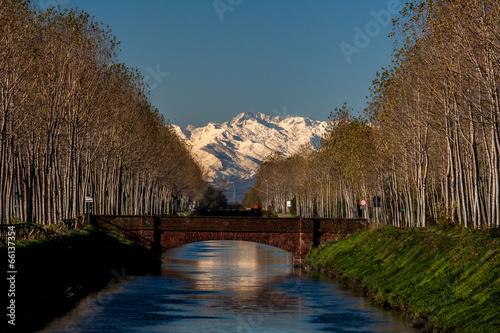 I monti ed il canale