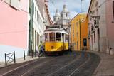 Fototapety Tramway dans le quartier de l'Alfama, Lisbonne, Portugal