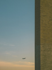 Airplane approaching to the Washington Monument