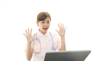 驚いた看護師
