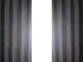 黒カーテンと光