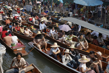 Thailand, Bangkok: tourists at the Floating Market - EDITORIAL