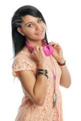 Rassige Frau mit Headset
