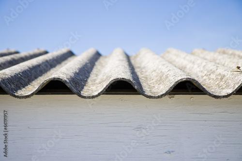 Asbestos roof - danger of asbestos - 66191957