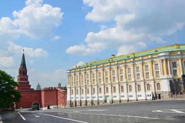 Москва, здание Оружейной палаты и Алмазного фонда в кремле