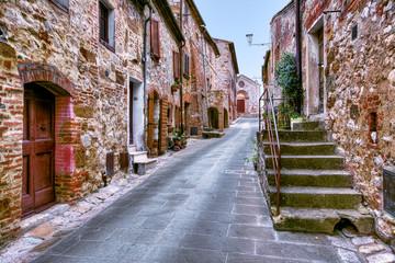 Narrow street inMontefellonico