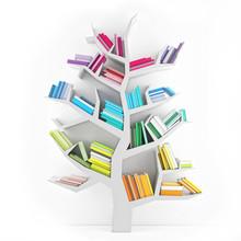 Drzewo poznania, białe półki z książkami wielokolorowe izolowane