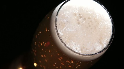 Beer flow in a glass