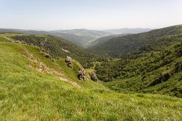 Crêtes et vallée en montagne - Vosges