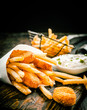 Deep fried takeaway fish and chips - 66210130