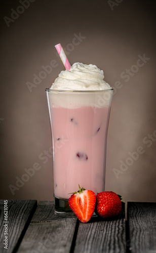Leinwandbild Motiv Strawberry milkshake
