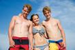 Drei Teenager im Sommer